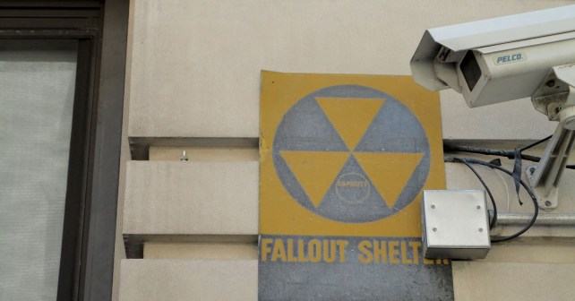 Fallout_shelter_sign_on_a_building